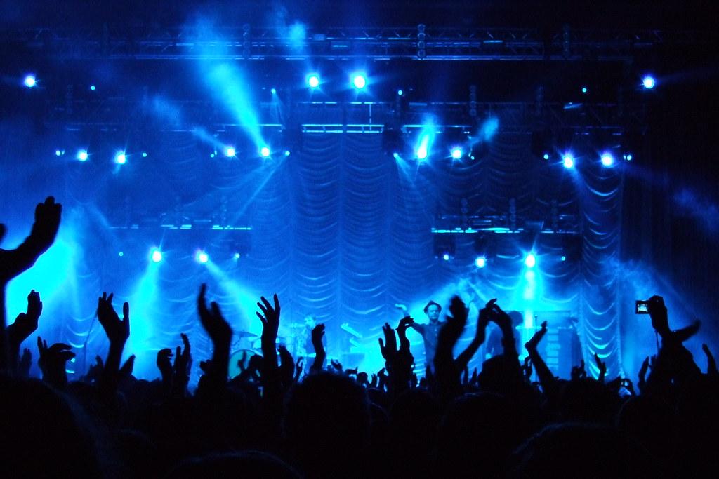 Rock-Feste feiern, wie sie fallen!